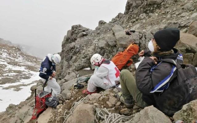 #Video Cruz Roja rescata cuerpo de alpinista accidentado en el Iztaccíhuatl - Foto de Cruz Roja