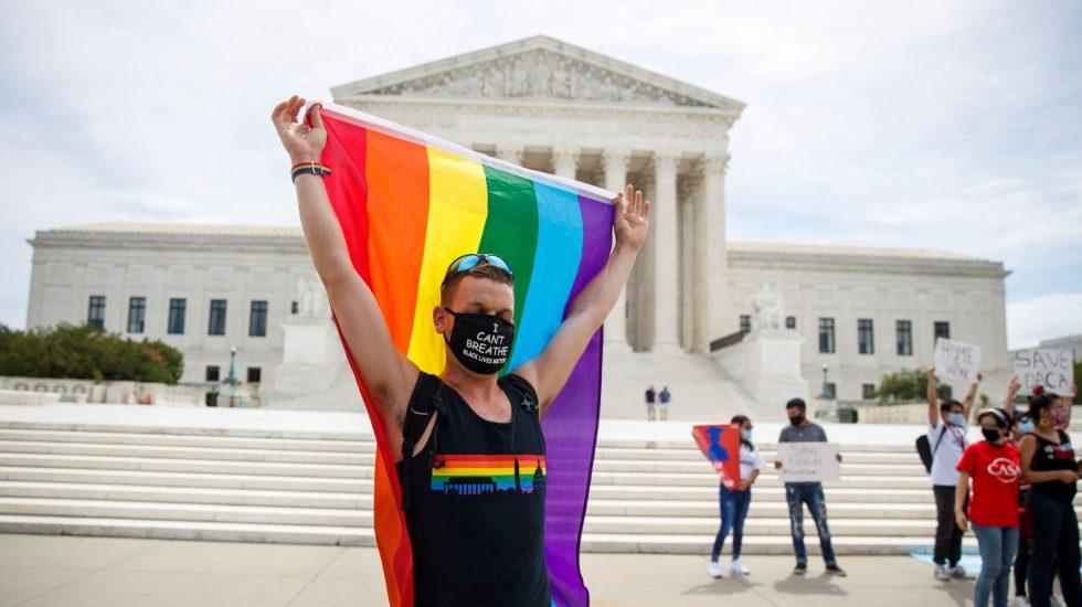 Tribunal Supremo de EE.UU. falla contra discriminación en entorno laboral a transexuales - Foto de EFE
