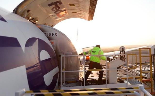 Arriba a México quinto vuelo con 11 ventiladores procedentes de Estados Unidos - ventiladores México coronavirus COVID-19