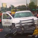 #Video Camioneta de la Guardia Nacional pierde el control y choca en segundo piso del Periférico