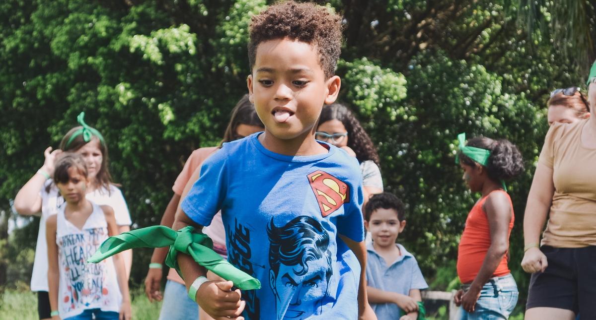 Covid-19 golpea campamento de verano en EU; cientos de niños infectados