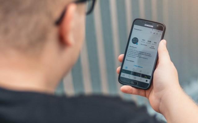 Mexicano en Texas desarrolla tecnología que disminuye interacciones humanas en sistema judicial - Celular teléfono tecnología