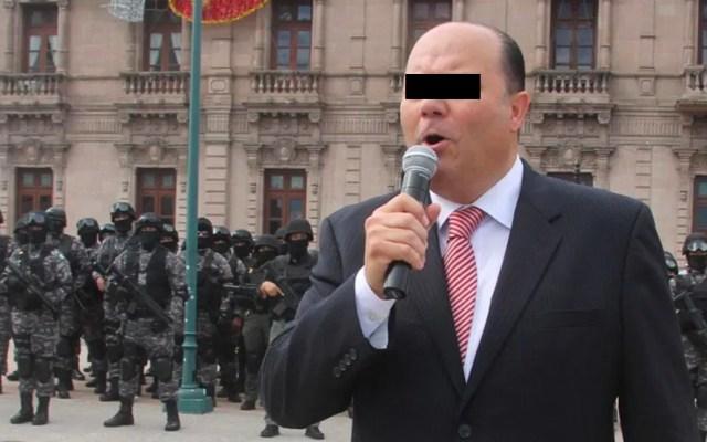 """Exgobernador César Duarte alega ser víctima de """"persecución política"""" - Fotografía del 4 de octubre de 2016 del exgobernador César Duarte durante su despedida con las fuerzas de seguridad del estado de Chihuahua"""