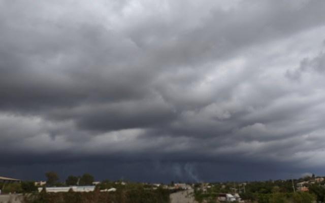 #Video Fuertes lluvias azotan Sinaloa - Cielo nublado en La Cruz, Sinaloa. Foto de @christopherzc1