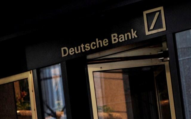 Nueva York multa a Deutsche Bank por omitir supervisión financiera de Epstein - Edificio de Deutsche Bank en Wall Street, Nueva York, Estados Unidos. Foto de EFE