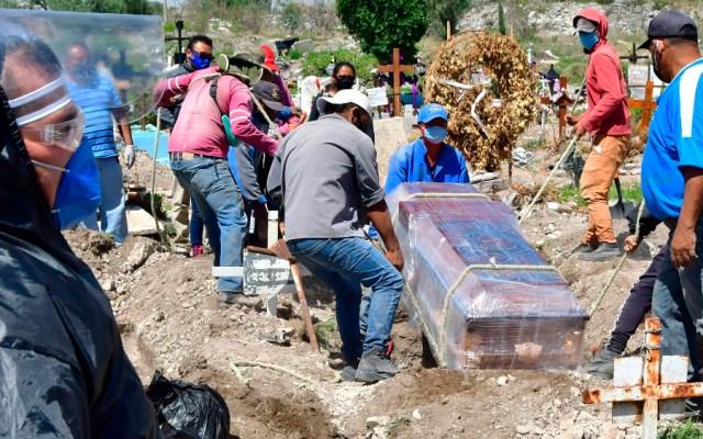 México supera a Francia en muertes por COVID-19 y se encuentra en el quinto lugar a nivel mundial; en las últimas horas se reportaron 6 mil 914 casos y 523 defunciones - Foto de EFE