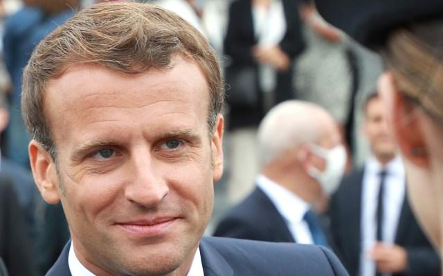 Macron alerta posible rebrote de COVID-19 y marca recuperación económica - Emmanuel Macron durante la Fiesta Nacional de Francia. Foto de EFE