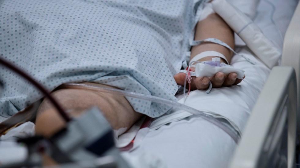 Secretaría de Salud niega transparentar datos de muertes ocurridas entre febrero y julio - Paciente con COVID-19 en hospital. Foto de EFE