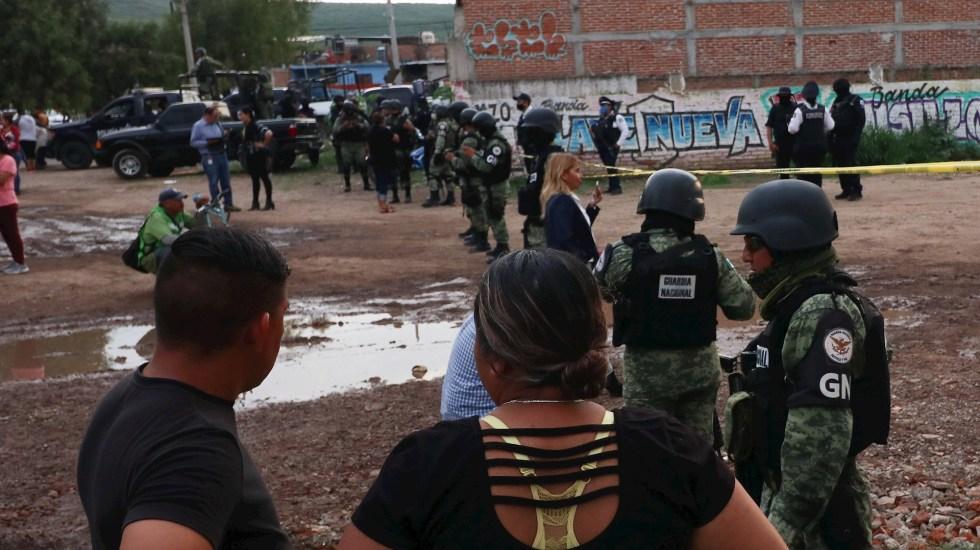 Detienen a tres presuntos autores del ataque en anexo de Irapuato, Guanajuato - Miembros de la Guardia Nacional vigilan en un Centro de Rehabilitación en el municipio de Irapuato, Guanajuato. Foto de EFE/Str.