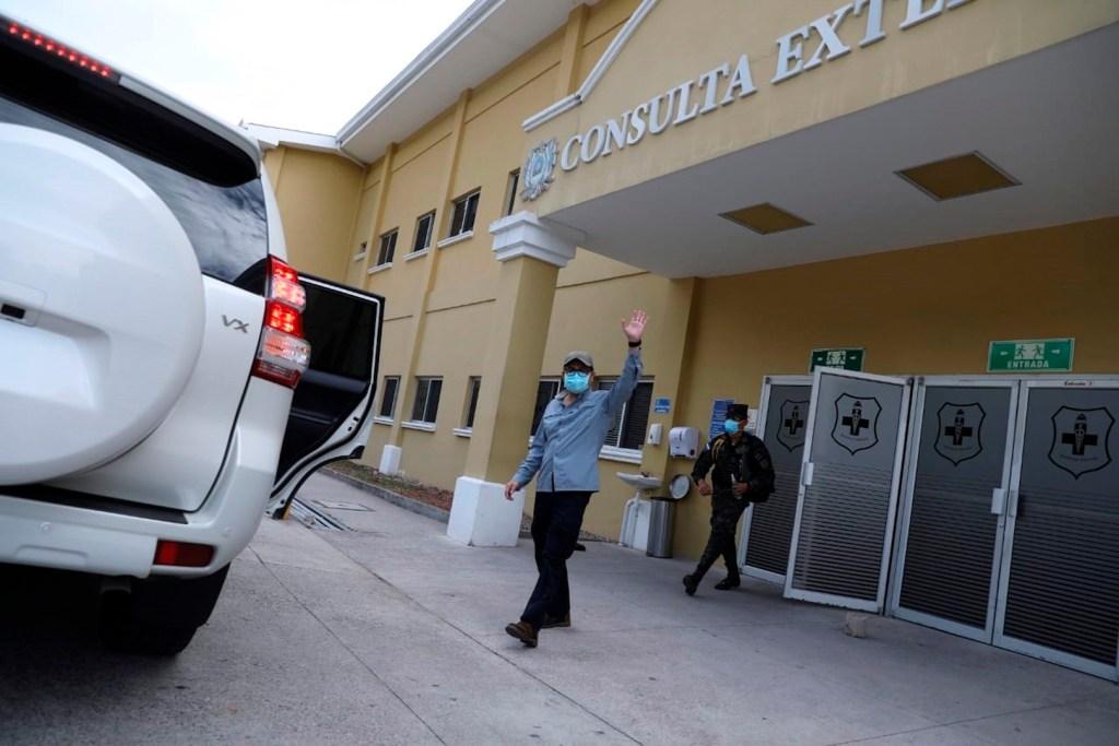 Presidente de Honduras sale del hospital tras recuperarse de COVID-19 - Foto de EFE