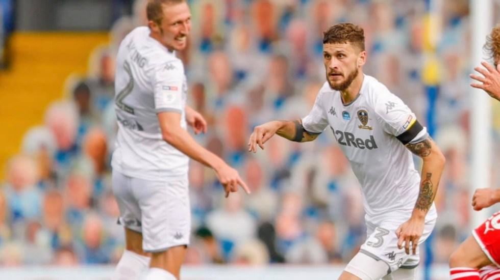 Leeds United regresa a la Premier Legue tras 16 años de la mano de 'Loco' Bielsa - Leeds United partido futbol