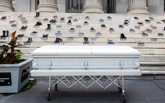 Nueva York presenta iniciativa para frenar la violencia en la ciudad - Manifestación contra el asesinato de 101 personas en tan solo una semana en la ciudad de Nueva York.  Foto de EFE