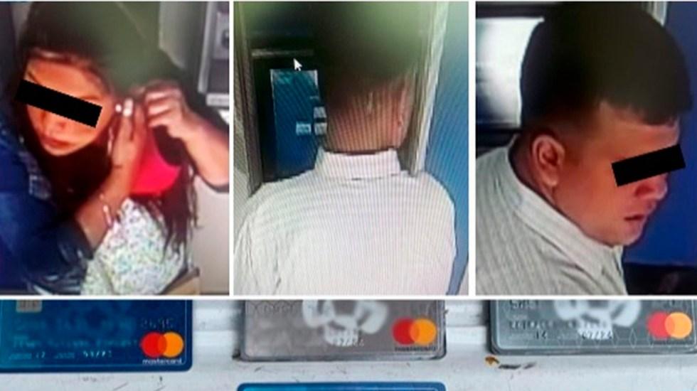 Detienen a pareja de peruanos que colocaba trampas en cajeros para retener tarjetas - peruanos tarjetas bancos