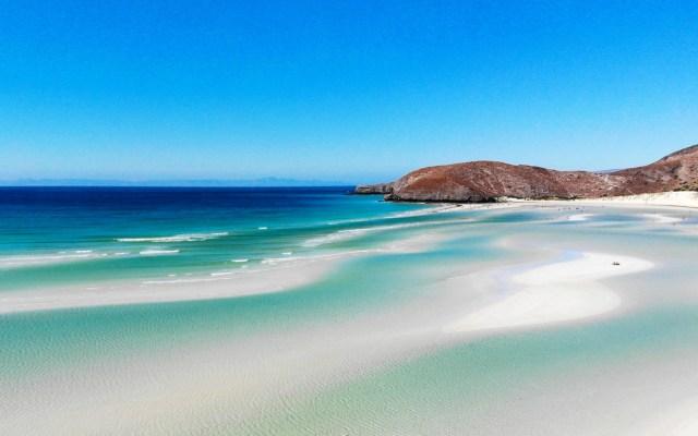 Cierran playas de La Paz por casos activos de COVID-19 - Playa de La Paz, Baja California Sur. Foto de Greg Neff / Unsplash