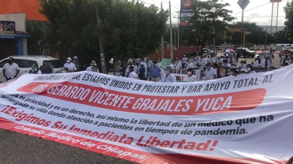 Exigen liberación de médico detenido en Chiapas - Foto de Twitter Chiapas Paralelo