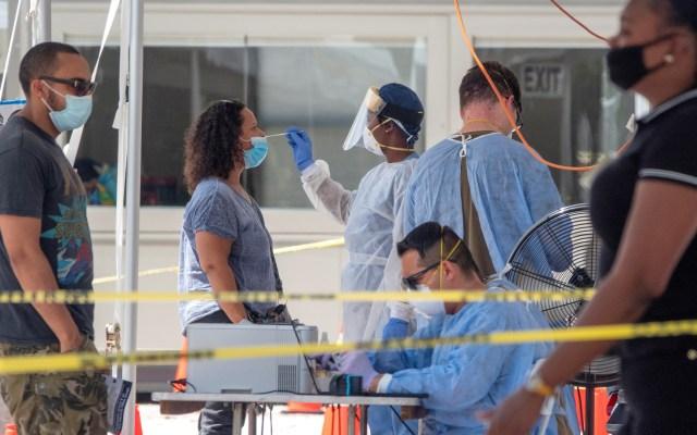 """Inmunidad por los anticuerpos ante COVID-19 decae """"muy rápidamente"""", según un estudio - Toma de pruebas de coronavirus en Florida. Foto de EFE"""