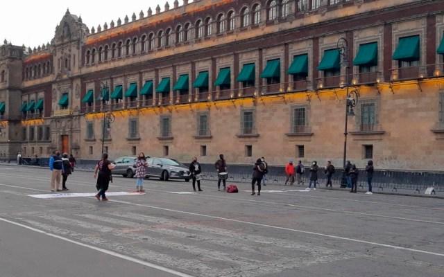 Familiares de víctimas de feminicidio protestan en inmediaciones de Palacio Nacional - víctimas de feminicidio Palacio Nacional
