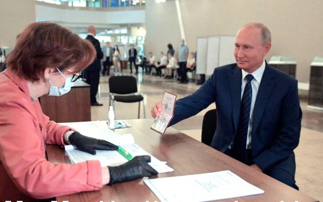 El 75.7 % de los rusos apoya la reforma constitucional de Putin - Foto de EFE