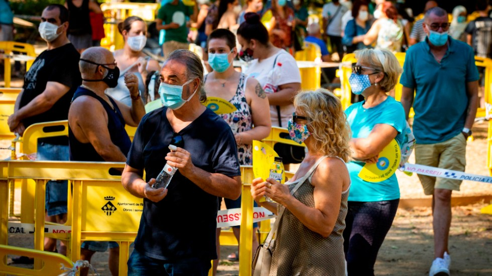 Contagios por COVID-19 se disparan en España con 12 mil 183 nuevos casos - Foto de EFE