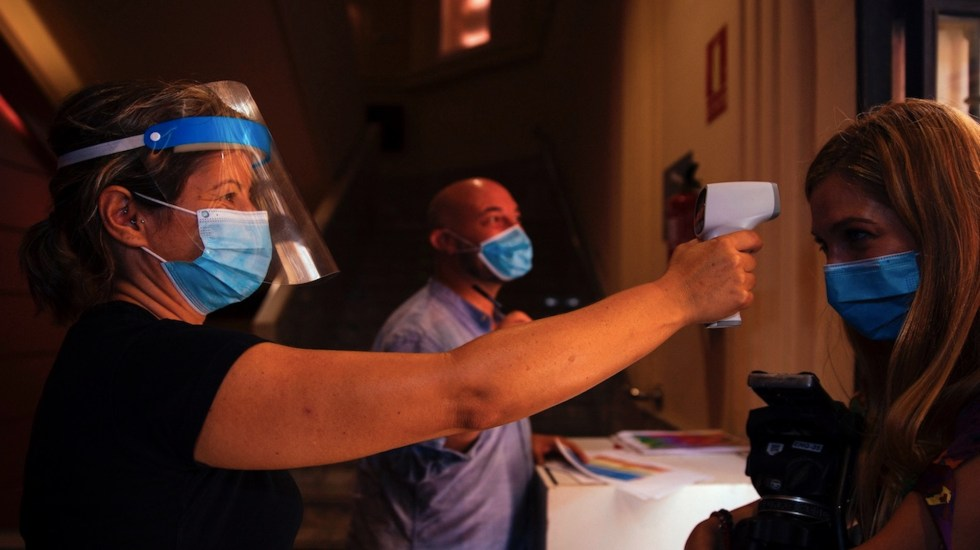 El mundo supera los 19 millones de casos de COVID-19 - Foto de EFE