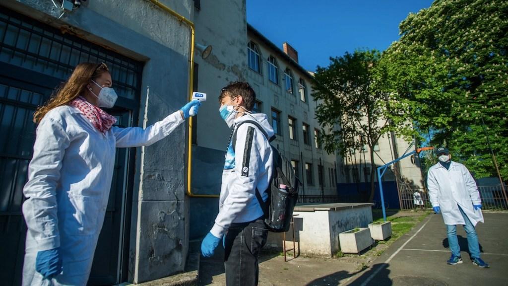 Alerta en Europa por preocupante aumento de casos de COVID-19 - Foto de EFE