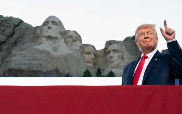 """Trump expresa que es """"buena idea"""" agregar su rostro al Monte Rushmore - Donald Trump monte Rushmore Estados Unidos presidente"""