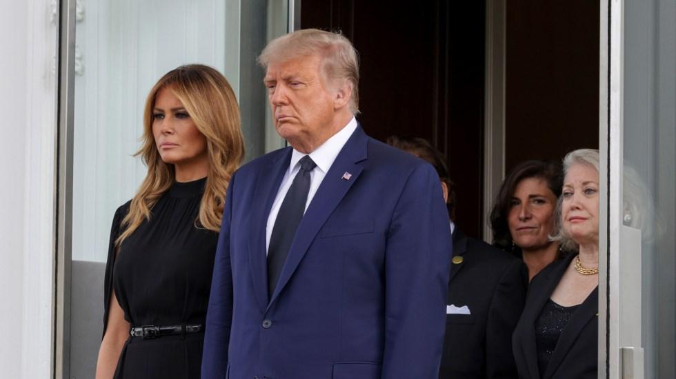 Donald y Melania Trump, positivos a COVID-19 - Donald Trump y su esposa Melania tras funeral de Robert Trump en la Casa Blanca. Foto de EFE