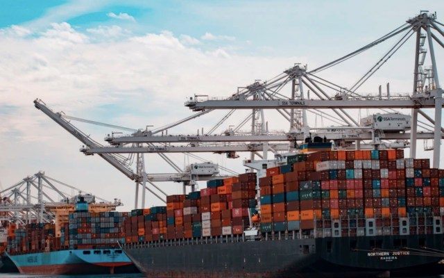 México se consolida como primer socio comercial de EE.UU. pese a pandemia - Foto de Andy Li @andasta