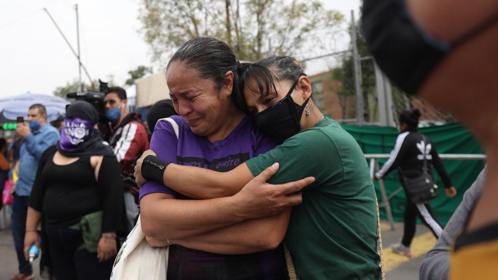 Exigen justicia para menor abusada en protesta frente a Reclusorio Oriente - Familiares de víctimas de abuso sexual en protesta en la CDMX. Foto de EFE