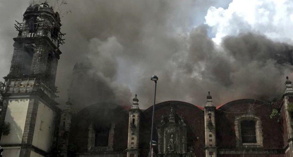 Sofocan incendio en iglesia de la Santa Veracruz, en la colonia Guerrero - Iglesia de la Santa Veracruz. Foto de @SUUMA_CDMX