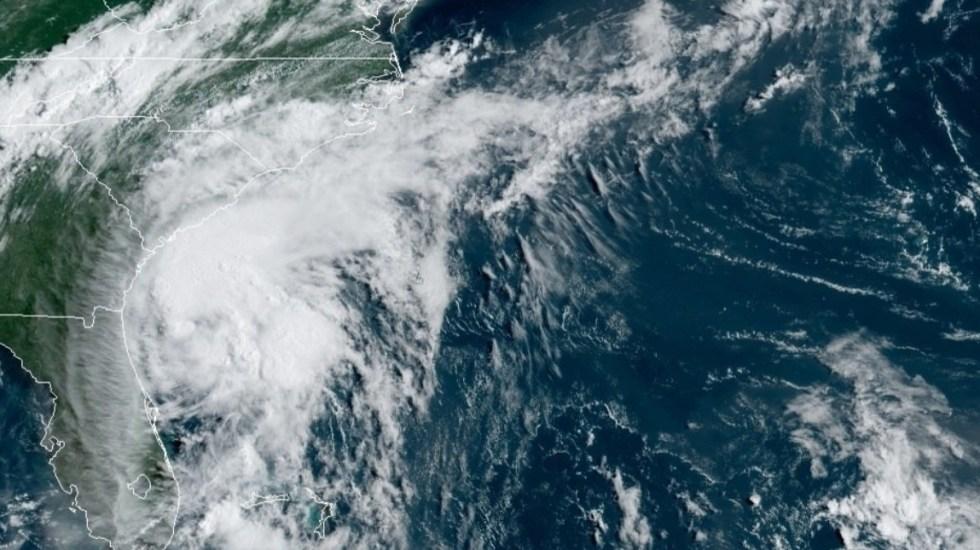 Huracán Isaías toca tierra en costa de Carolina del Norte - Isaías huracán Estados Unidos