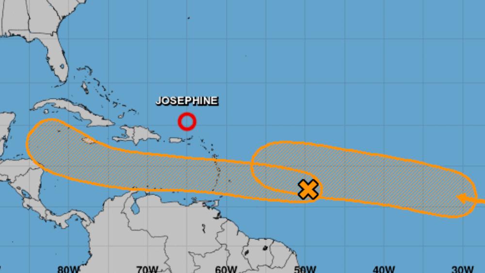 Meteorólogos vigilan dos áreas de baja presión en el Atlántico; una se acerca al Caribe - Foto de NHC