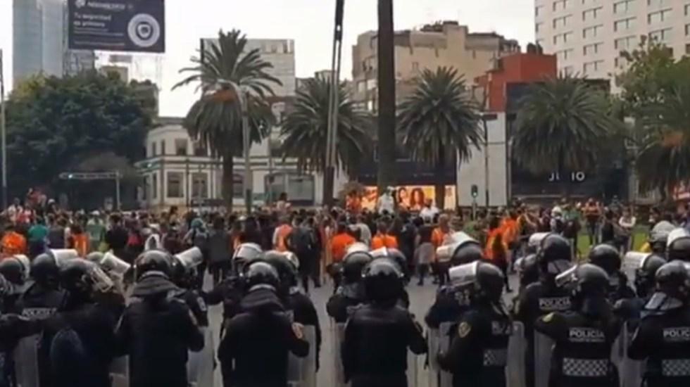 Feministas protestan sobre Paseo de la Reforma - Marcha feminista Ciudad de México Paseo de la Reforma