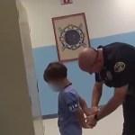 #Video Detienen en Florida a niño de 8 años al interior de escuela