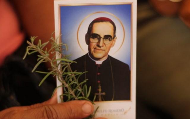 Proceso por asesinato de Óscar Arnulfo Romero sigue sin avances en El Salvador - Óscar Arnulfo Romero padre sacerdote