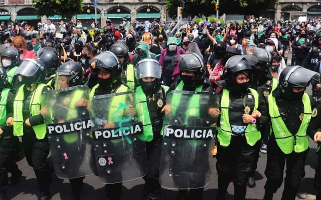 Policías en la Ciudad de México deberán llevar identificación visible durante protestas - Policías Ciudad de México agentes granaderos protesta