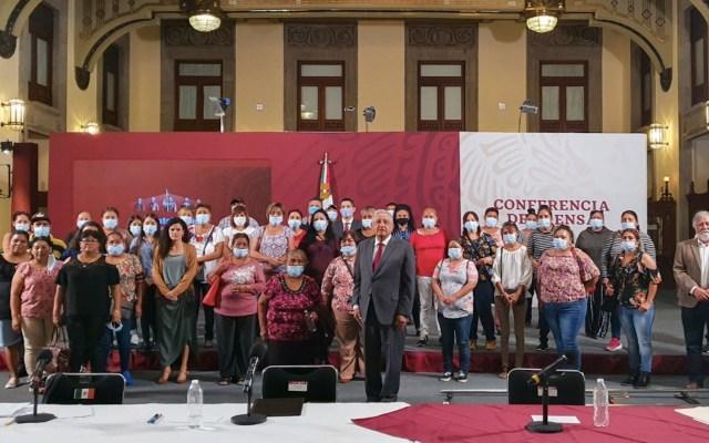 López Obrador se reúne con familiares de mineros sepultados en Pasta de Conchos - Foto de Twitter Andrés Manuel López Obrador