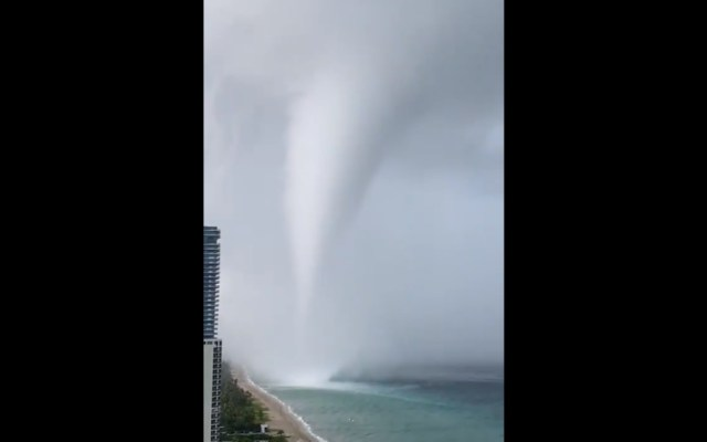 #Video Tromba marina sorprende a habitantes de Florida - Tromba Marina Florida Miami