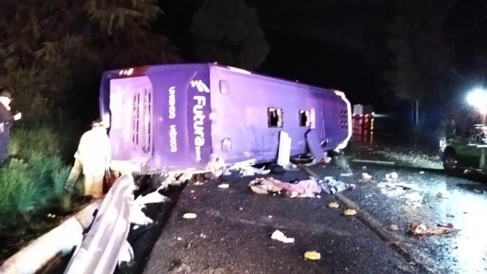 Volcadura de autobús en la México-Toluca deja 13 muertos y 27 heridos - Foto de @vialhermes