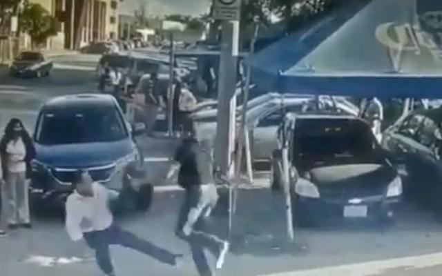 #Video Creyó que era el violador de su hija y lo apuñaló - Captura de pantalla