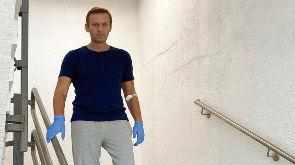 Navalni comparte imagen bajando escaleras en el hospital - Foto de Instagram
