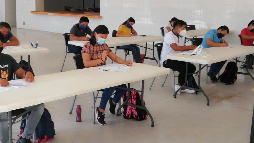 Alumnos de Campeche y Chiapas regresarían a la escuela en octubre, prevé SEP - Aplicación de examen de admisión en Campeche. Foto de @SEDUCampeche