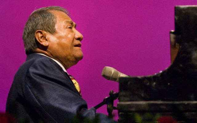 Armando Manzanero será el homenajeado de honor en los Latin Billboards - Foto de Alondra de la Parra