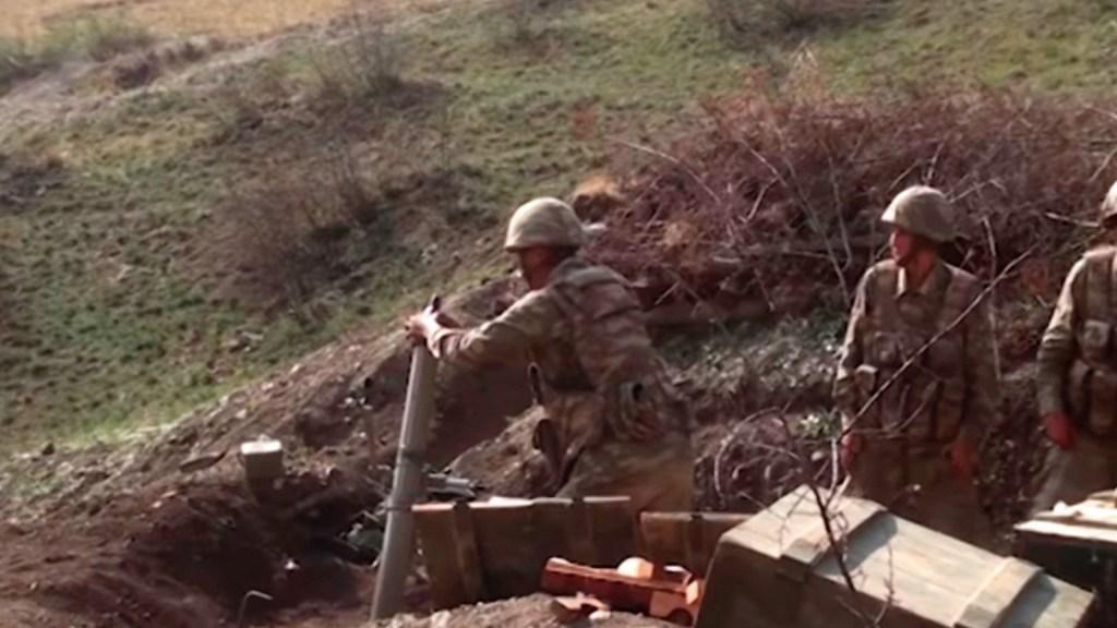 Armenia acusa a Azerbaiyán de atacar nuevas localidades para extender el conflicto armado - Conflicto armado entre Armenia y Azerbaiyán. Foto de EFE