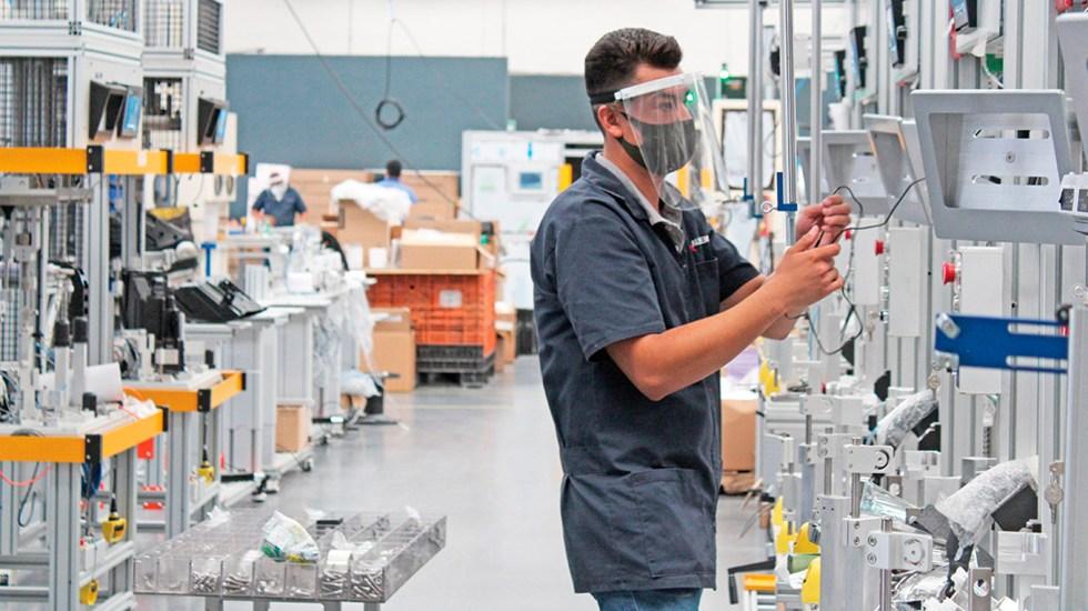 Urgen cámaras empresariales prioridad de vacuna contra COVID-19 para trabajadores - Más de la mitad de los empleos en México podrían estar en riesgo por automatización. Foto @mexicoindustry