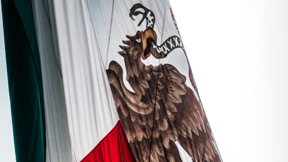Pide López-Gatell no realizar celebraciones masivas en Fiestas Patrias - Foto de Kevin para Flickr