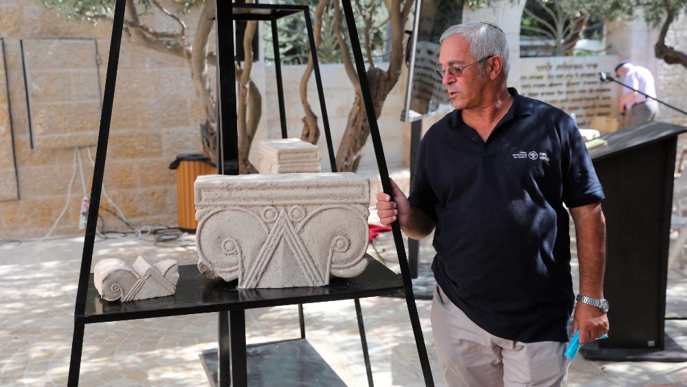 Hallan suntuosos capiteles de monumento milenario de la antigua Jerusalén - Foto de EFE