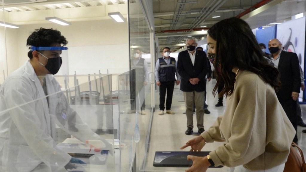 UNAM adquirirá 20 mil tabletas con internet para facilitar el aprendizaje de estudiantes de escasos recursos - Foto de UNAM