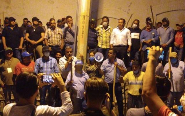 Productores mantienen tomada presa La Boquilla, en Chihuahua; denuncian infiltrados - Foto de El Heraldo de Chihuahua
