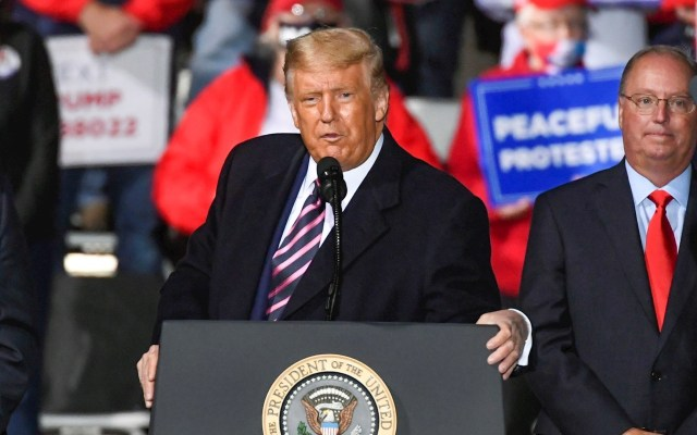 Trump dice que Estados Unidos puede convertirse pronto en una Venezuela - Donald Trump durante mitin en Bemidji, Minnesota. Foto de EFE/EPA/CRAIG LASSIG.